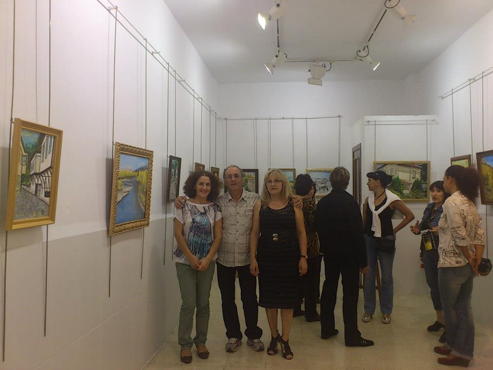 Първа самостоятелна изложба на художничката Ася Цолова